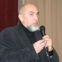 Василий Семенцов
